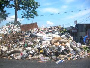 sampah plastik 1